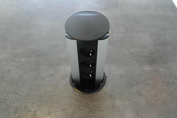 Image of   Evoline Powerport med sort top og krave