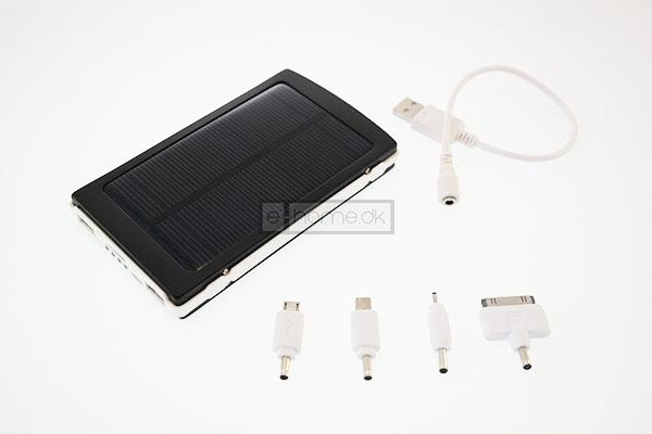 Powerbank batteri 10.000 mAh m/sol panel